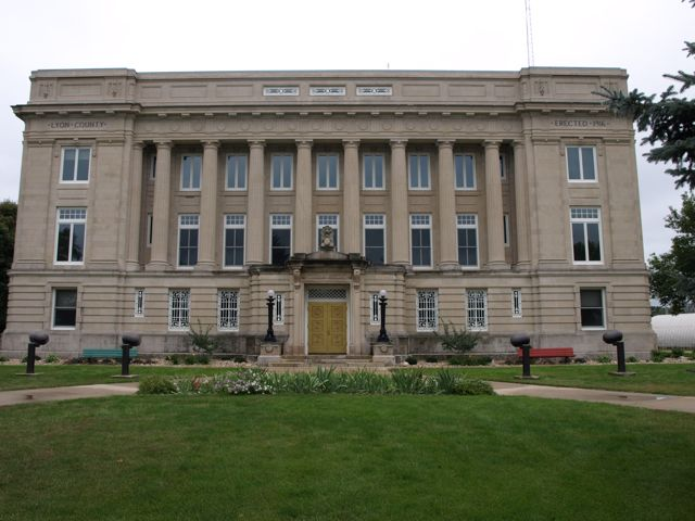 View of the front of the courthouse